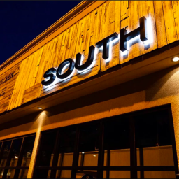 SOUTH Restaurant and Jazz Parlor